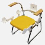 ≪特徴4≫専用の椅子に座り、ロボットの楽々着脱
